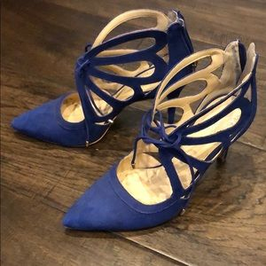 Vince Camuto Blue lace up heels size 7.5